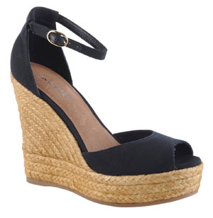 05-hb-shop-kate-middleton-navy-wedges-aldo-010812-mdn
